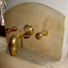 Ref. 11 - Antieke wasbak met antieke kraan