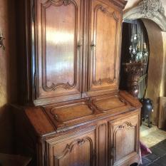 Ref. 13 – Namuurse kabinetkast in eik foto 1