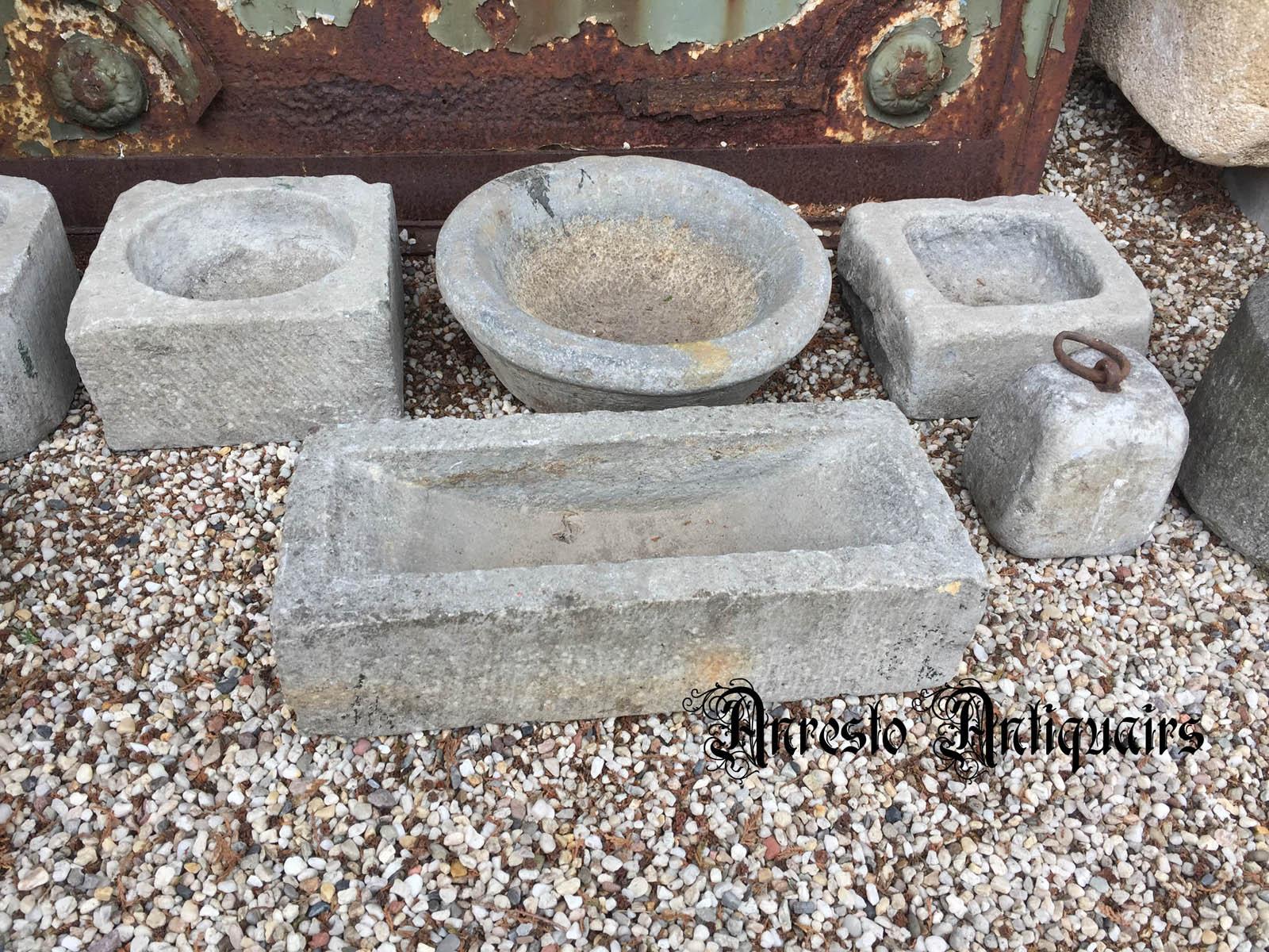 Ref. 20 - Antieke voederbakken, oude voederbakken