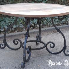 Ref. 03 – Ronde tafel in Venetiaanse Gotiek