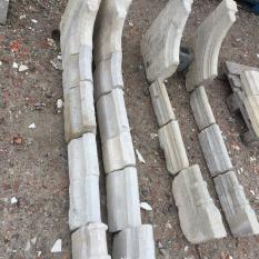 Ref. 04 – 2 Gotische schouwbenen met eikenhouten bovenmantel