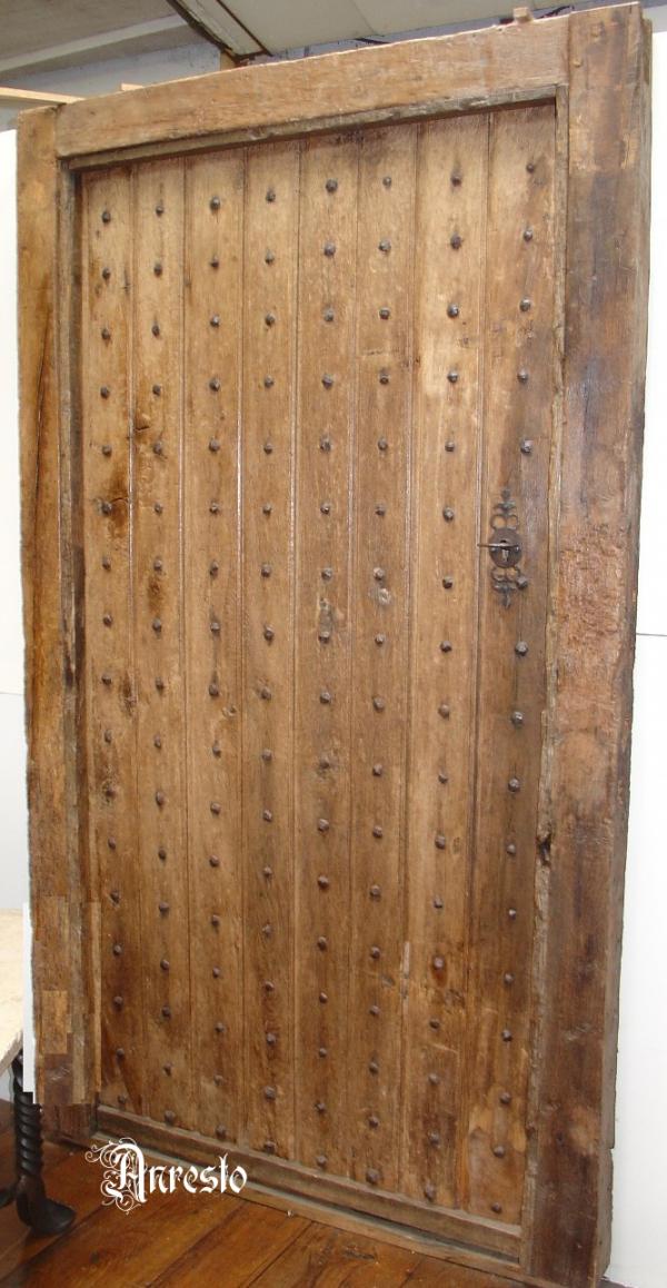 Genagelde deur 17e eeuws