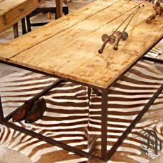 Minimalistische salontafel
