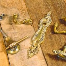 Antiek kast- en deurbeslag