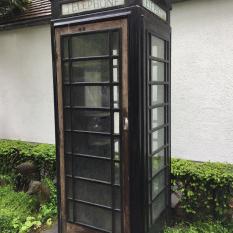 Ref. 40 - Antieke telefooncel, oude ijzeren telefooncel