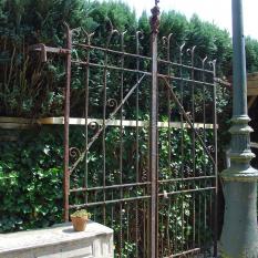 Ref. 11 – Gotische hekken - poort