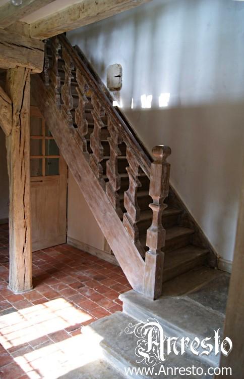 Ref. 08 – Antieke trap, vakwerkhuis te koop