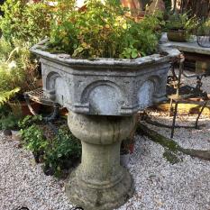Ref. – 09 Romaanse doopvont 16de eeuws