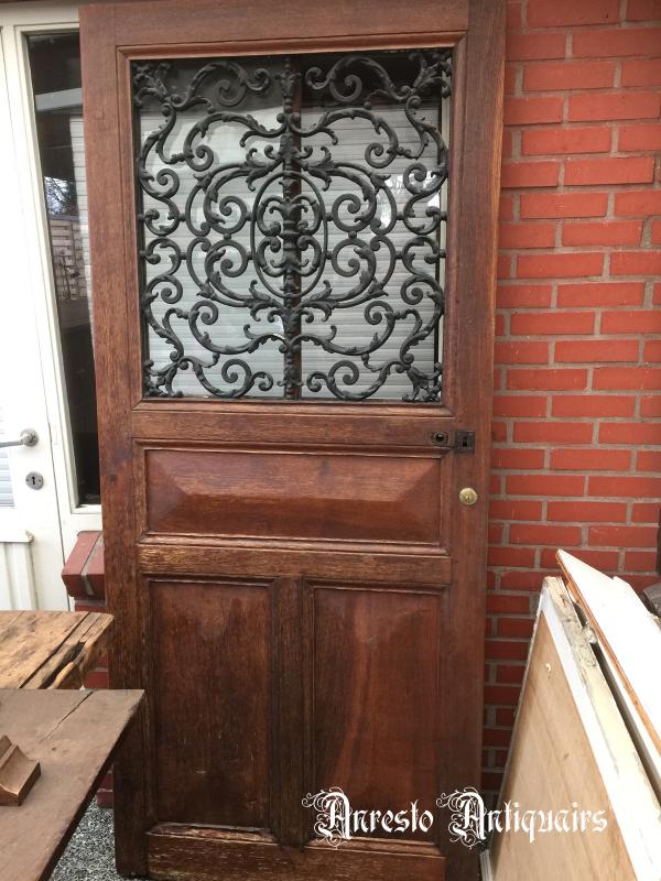 Ref. 68 – Antieke Ardeense eikenhouten buitendeur, exclusieve houten voordeur