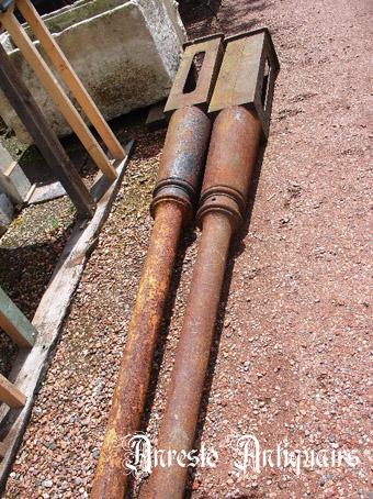 Ref. 04 – Antieke Franse gietijzeren zuilen, oude Franse ijzeren zuilen