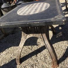 Ref. 23 Industriele tuintafel, oude ijzeren industriele tuintafel foto 1