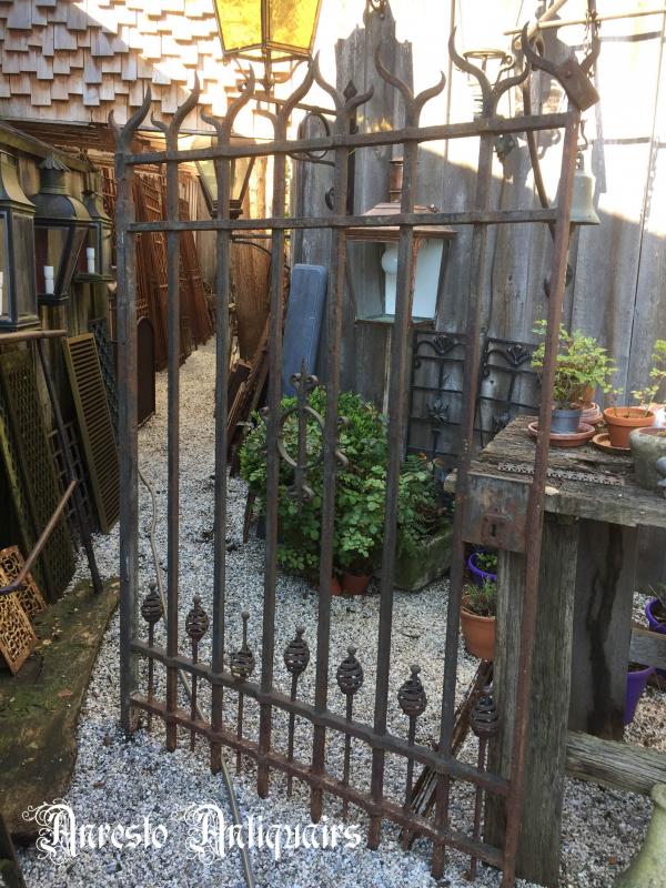 Ref. 33 – Oude smeedijzeren poort, oude ijzeren tuinpoort