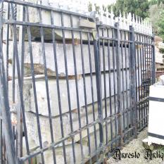 Ref. 34 – Antieke zware smeedijzeren poort