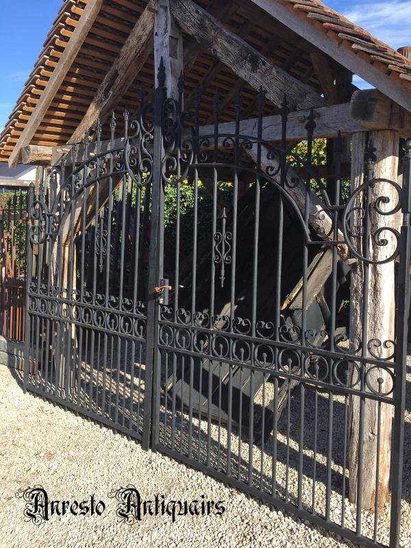 Ref. 39 – Oude smeedijzeren poort, oude 2-vleugelige tuinpoort