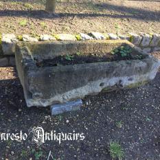 Ref. 45 – Exclusieve 17de eeuwse voederbak, antieke 17de eeuwse arduinen trog