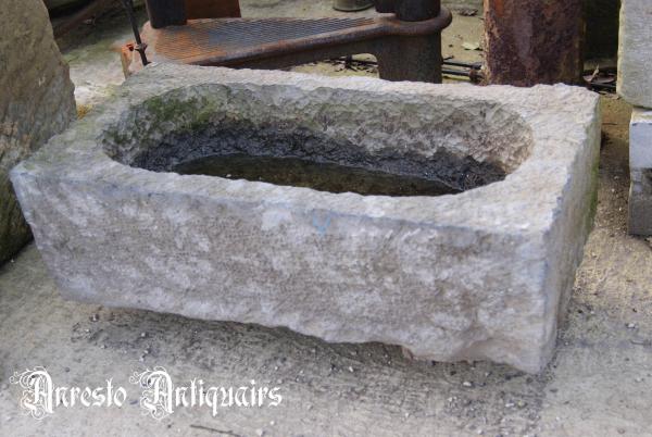 Ref. 52 – Antieke Ardeense blauwstenen voederbak