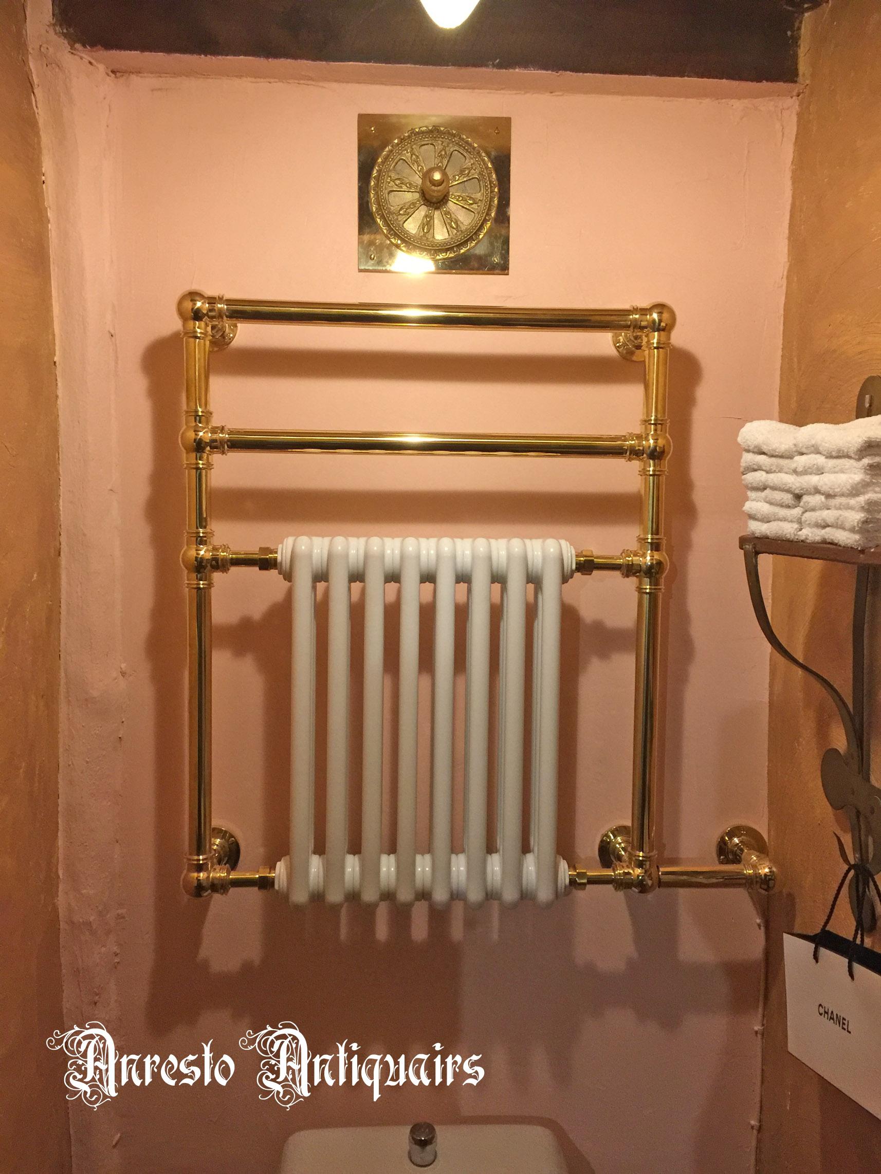 Ref. 81 – Engelse towelrail, Engelse handdoekdroger foto 1