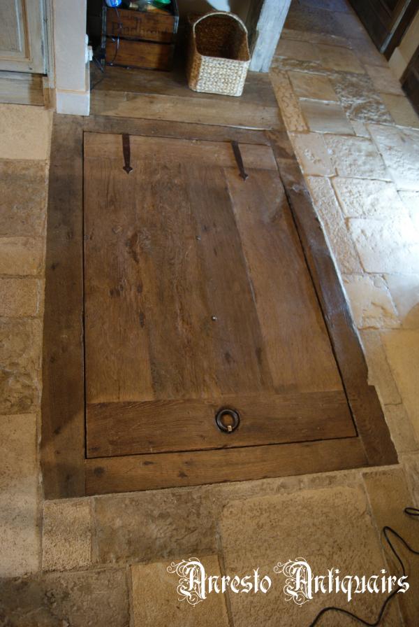 Ref. 69 – Exclusieve landelijke houten kelderdeur, exclusief landelijk houten vloerluik foto 1