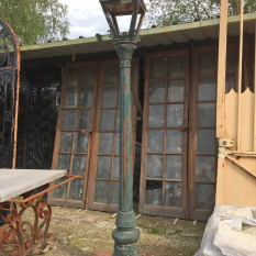 Ref. 55 – Oude gietijzeren Ardeense lantaarnpaal