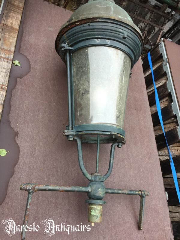 Ref. 59 – Antieke Brusselse lantaarnkap