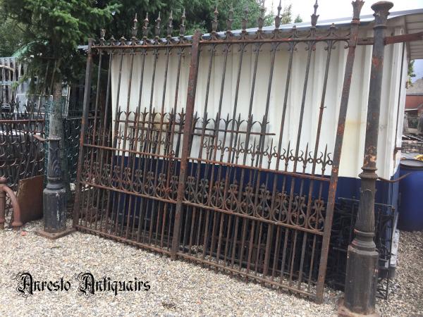 Ref. 74 – Antieke smeedijzeren poort