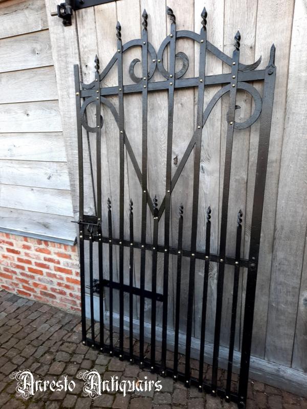 Ref. 80 – West-Vlaamse smeedijzeren tuinpoort