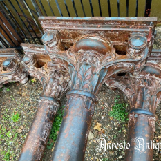 Ref. 83 – Antieke gietijzeren Barok zuilen foto 1