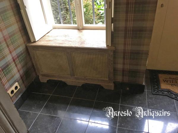 Ref. 21 – Exclusieve eikenhouten radiatorafkasting