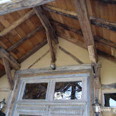 Ref. 19 – Antieke balkenplafond