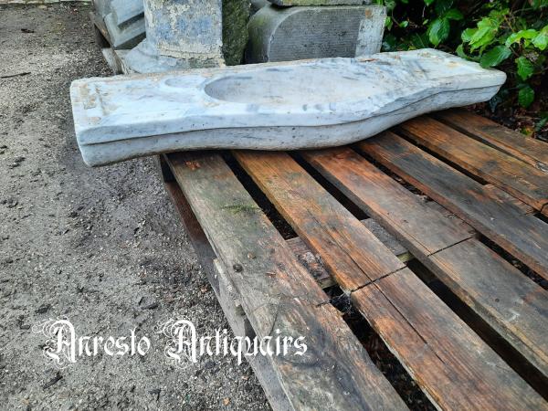 Ref. 53 – Antieke witte marmeren wasbak